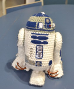Free Crochet Pattern Star Wars : Monday Free Pattern Find: R2D2 Crochet Cricket