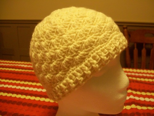 white-crochet-shell-beanie-with-flower side
