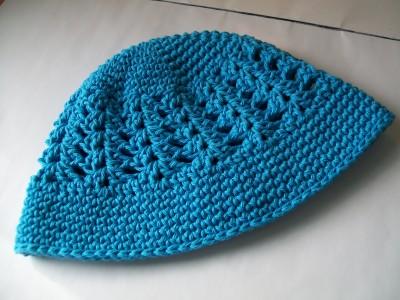 blue-crochet-spring-hat-shellstitch.jpg