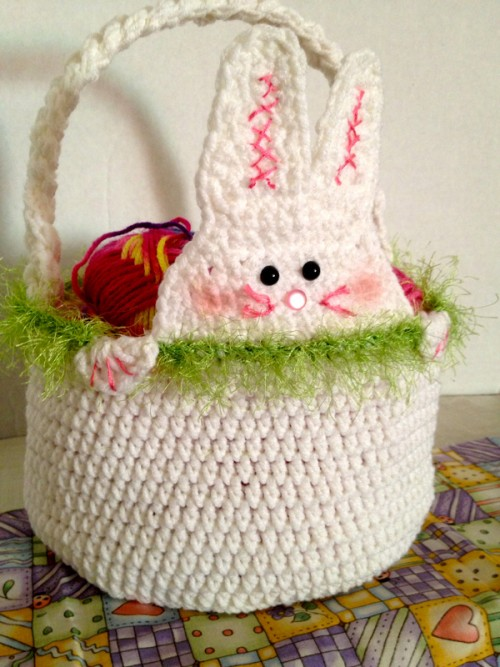 Free Printable Crochet Basket Patterns : crochet-easter-basket Crochet Cricket