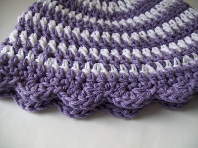 crochet-spring-hat-white-purple-stripes-shelledge.jpg (1)