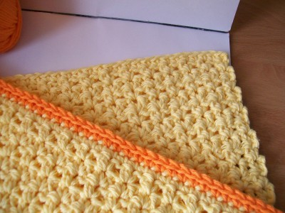 crochet sunrise place mat set made with cotton yarn in yellow and orange