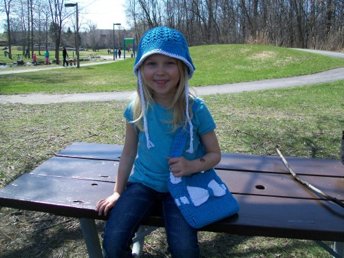 Little-Lady-handbag-free-pattern-matching-cloche-hat