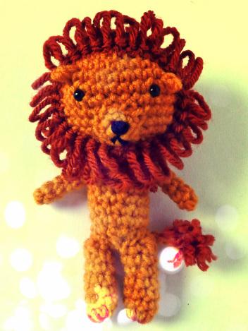 crochet-cowardly-lion-amigurumi-free-pattern
