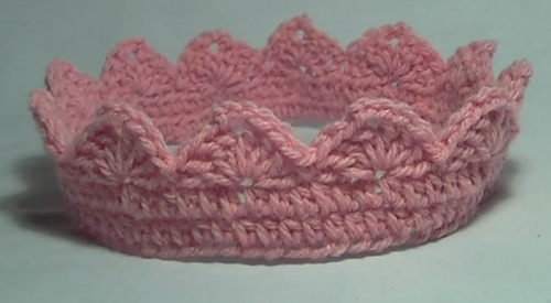 Crochet Baby Crown Headband Pattern : Fantasy Friday: Free Crochet Crown Pattern/Tutorial ...