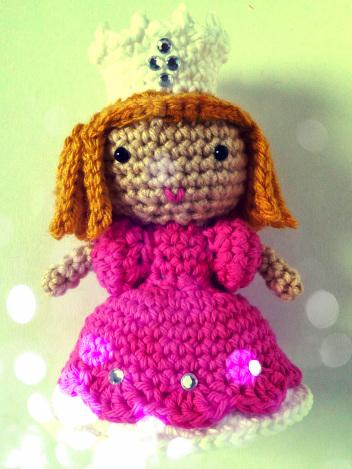 crochet-glenda-good-witch-amigurumi-free-pattern