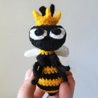 crochet amigurumi bee spring