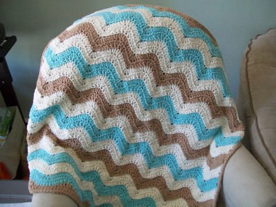 crochet ocean waves baby blanket made by crochet cricket